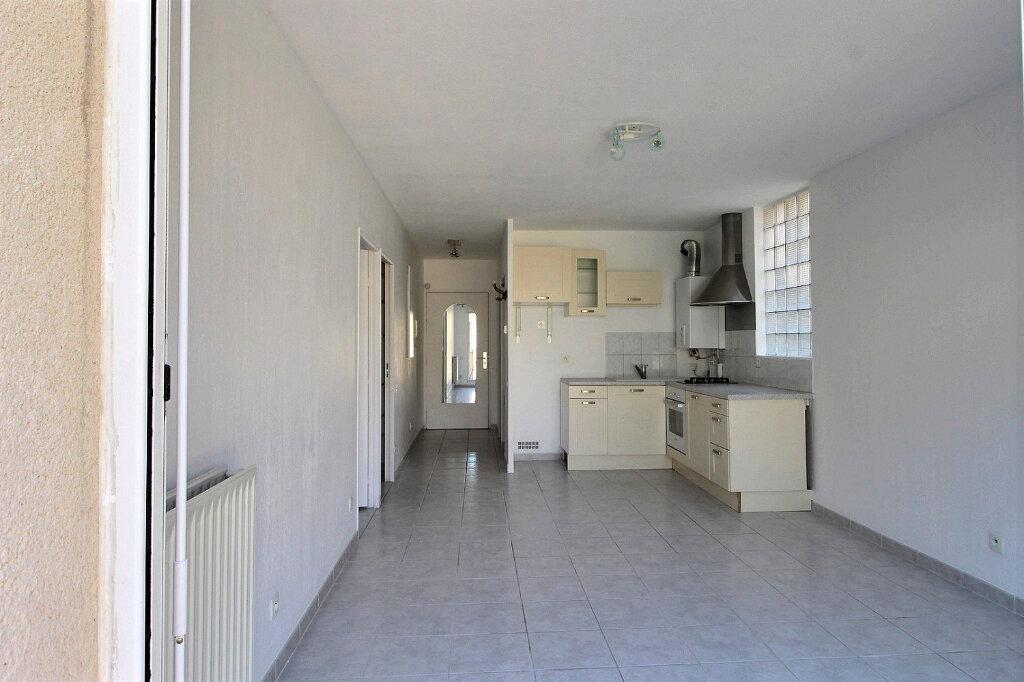 Appartement à louer 2 43m2 à Marseille 10 vignette-1