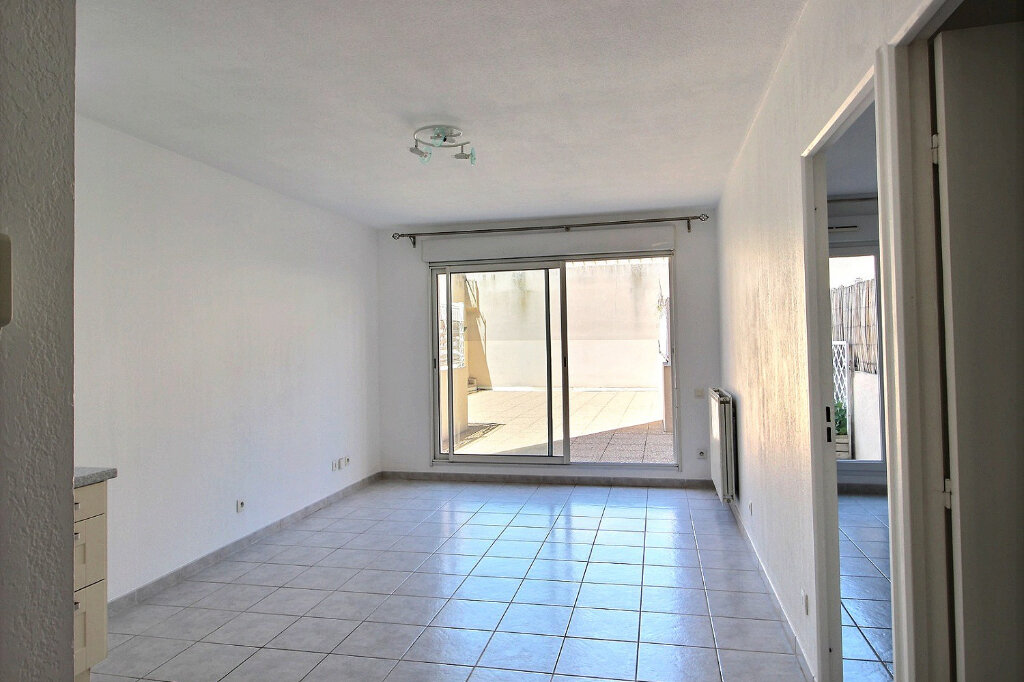 Appartement à louer 2 43m2 à Marseille 10 vignette-2