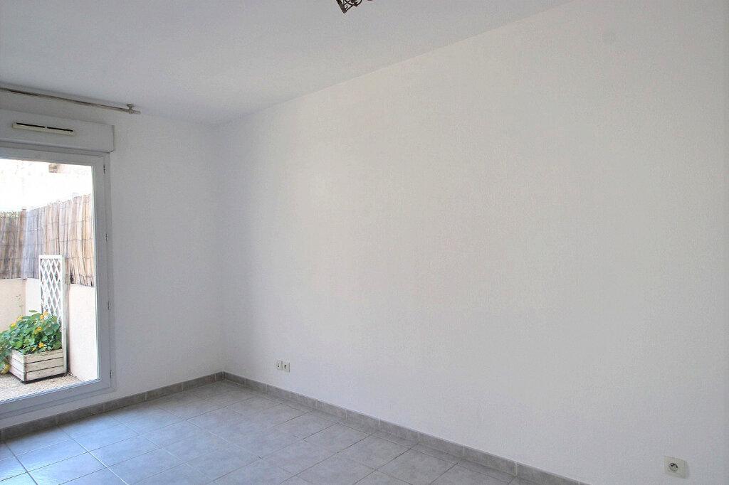 Appartement à louer 2 43m2 à Marseille 10 vignette-3