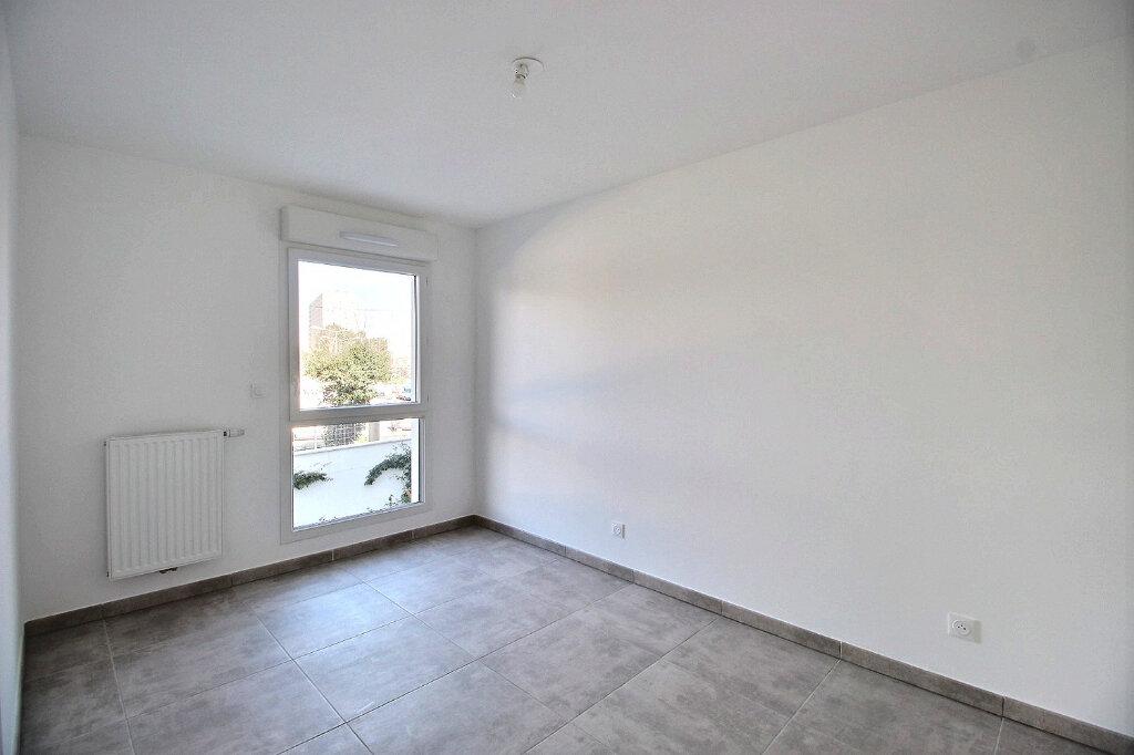 Appartement à louer 2 47m2 à Marseille 9 vignette-3