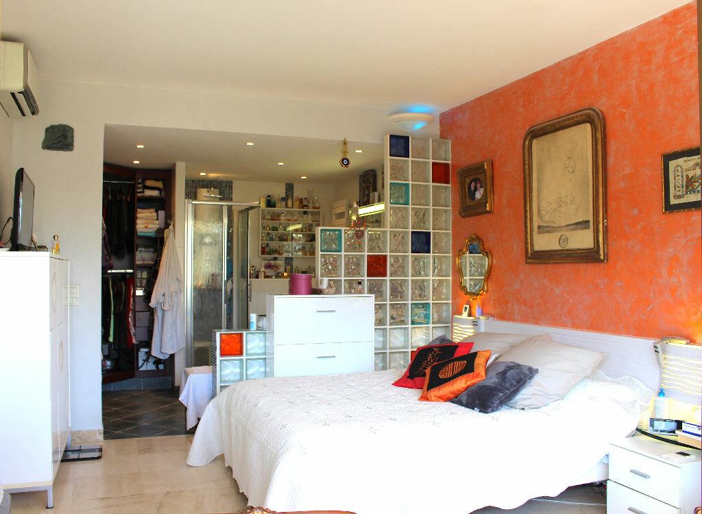 Appartement à vendre 4 103.92m2 à Cannes vignette-5