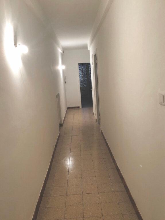 Appartement à louer 5 97m2 à Cannes vignette-4