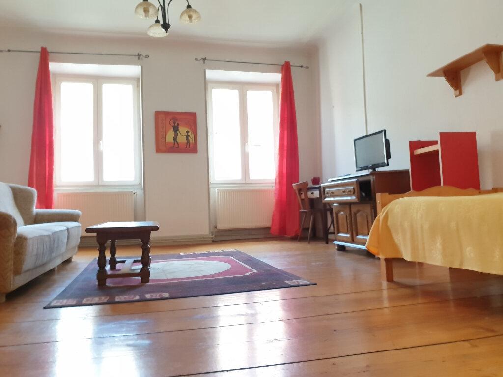 Appartement à louer 2 65.15m2 à Neuf-Brisach vignette-1