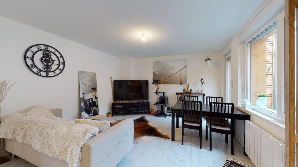 Appartement à louer 3 61m2 à Neuf-Brisach vignette-2