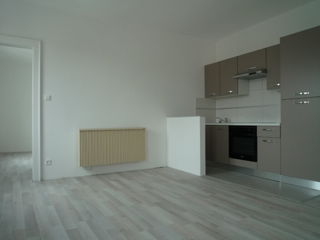 Appartement à louer 2 40.02m2 à Neuf-Brisach vignette-1