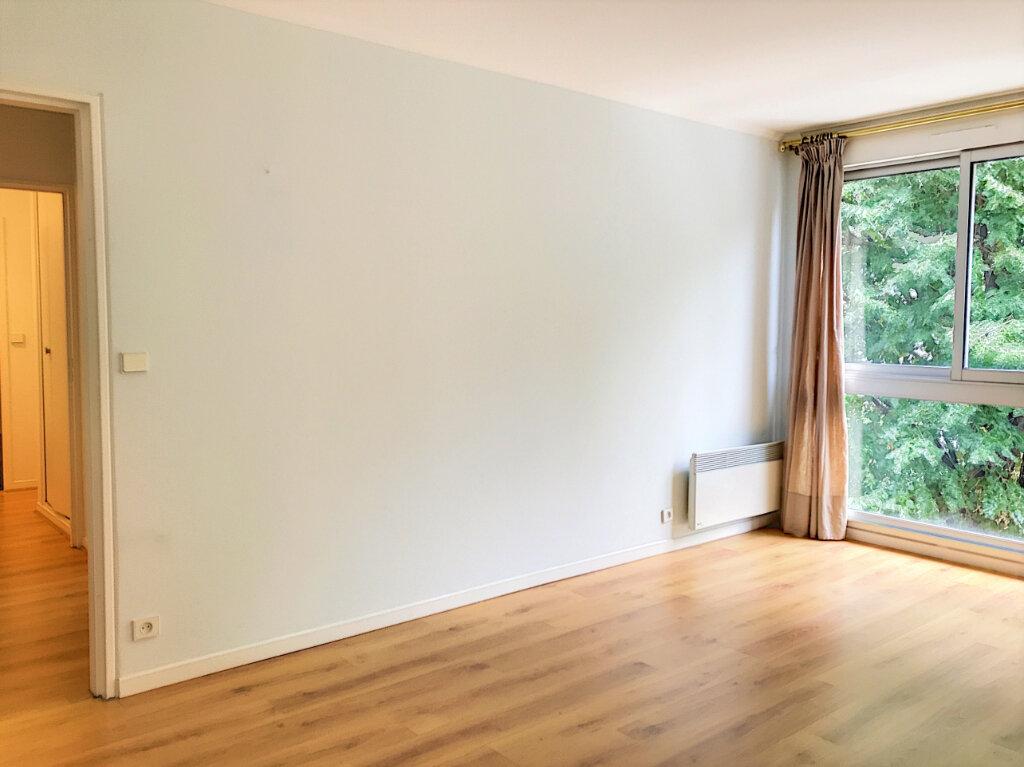 Appartement à vendre 2 46m2 à Paris 13 vignette-2