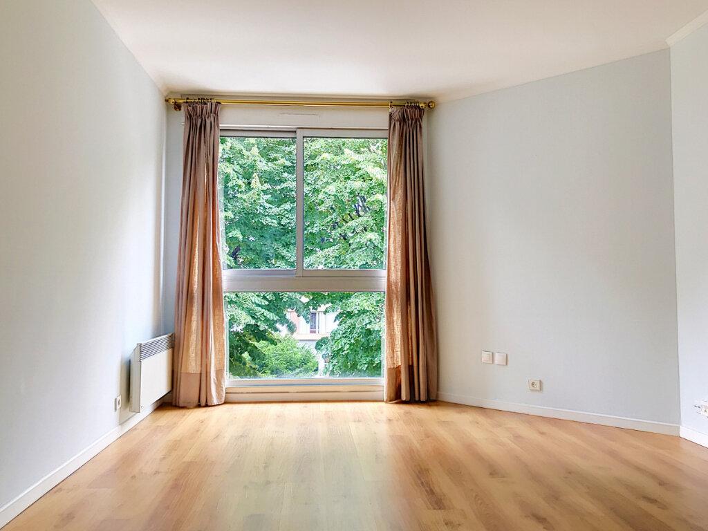 Appartement à vendre 2 46m2 à Paris 13 vignette-3