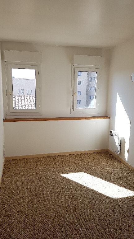Appartement à louer 3 46.8m2 à Toulouse vignette-3