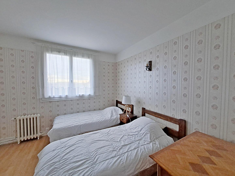 Appartement à louer 4 74.25m2 à Fontainebleau vignette-6