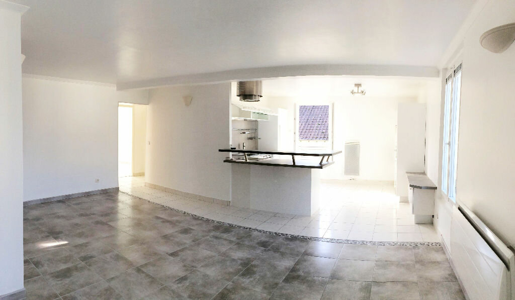 Appartement à louer 3 75m2 à Vulaines-sur-Seine vignette-1