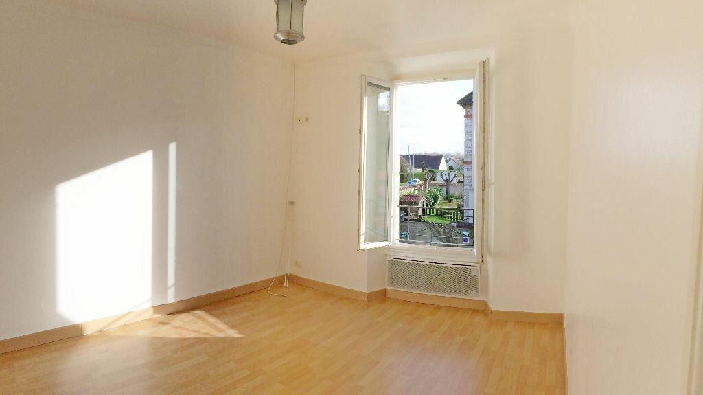 Appartement à louer 3 75m2 à Vulaines-sur-Seine vignette-3