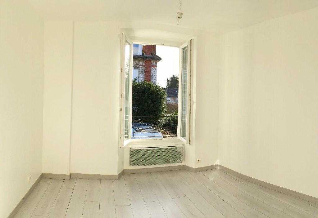 Appartement à louer 3 75m2 à Vulaines-sur-Seine vignette-4