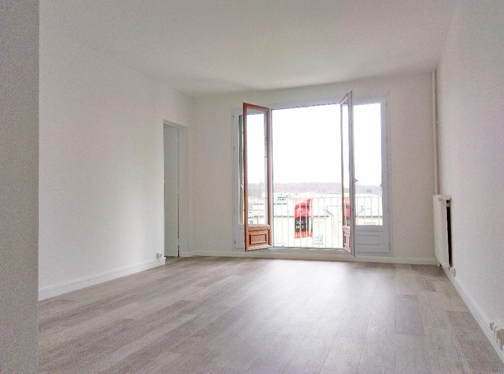Appartement à louer 3 63.41m2 à Avon vignette-2
