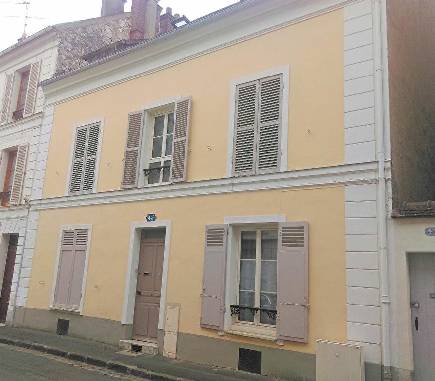 Appartement à louer 2 34m2 à Fontainebleau vignette-1