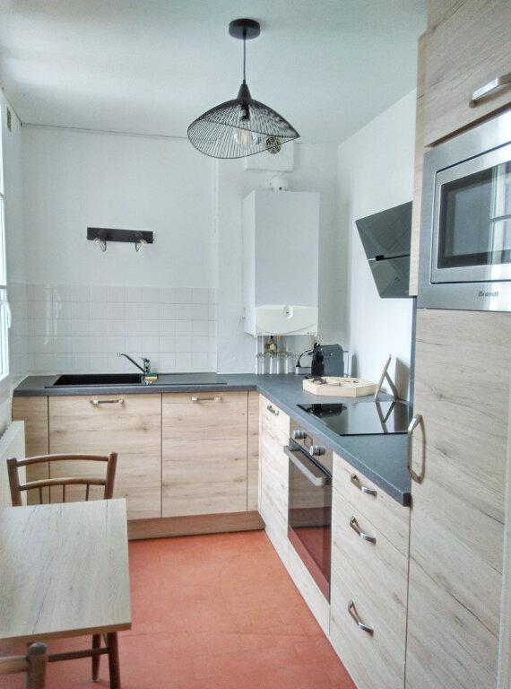 Appartement à louer 2 34m2 à Fontainebleau vignette-3