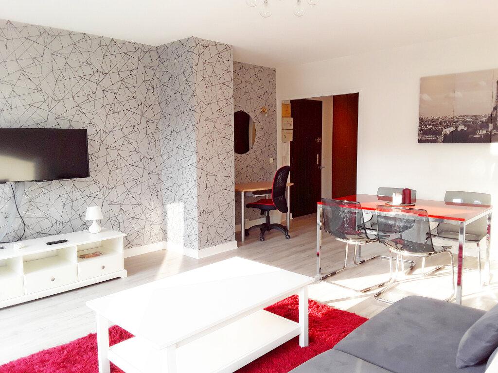 Appartement à louer 2 59.92m2 à Fontainebleau vignette-2