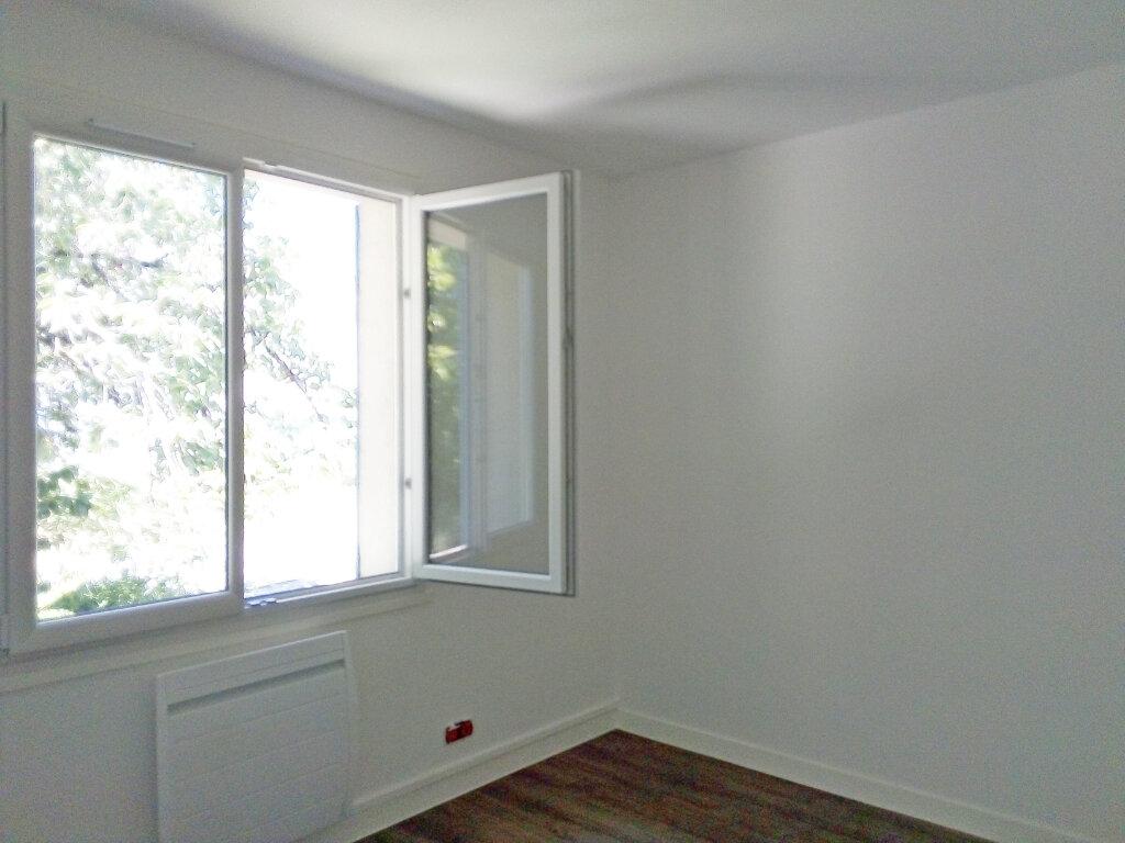 Maison à louer 4 107.03m2 à Écuelles vignette-6
