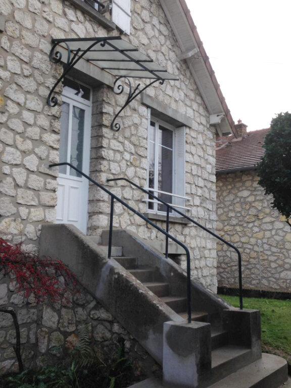 Maison à louer 3 84.45m2 à Veneux-les-Sablons vignette-1