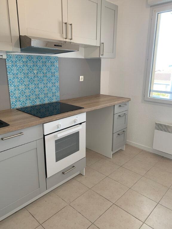 Appartement à louer 3 64.82m2 à Castelginest vignette-1