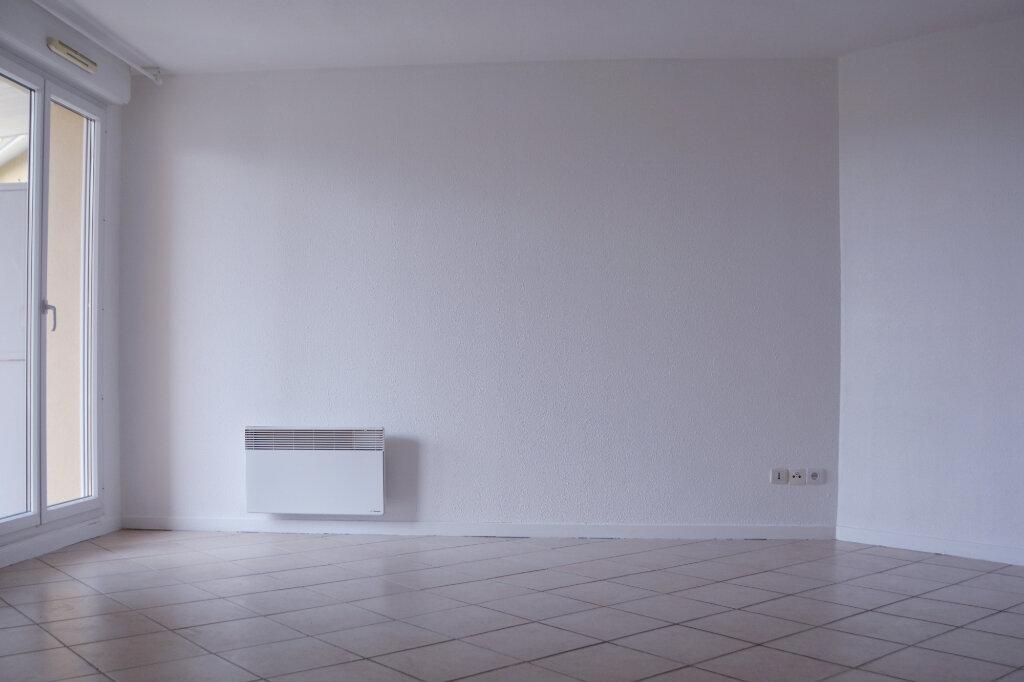 Appartement à louer 3 64.82m2 à Castelginest vignette-2
