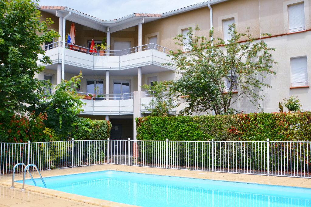 Appartement à louer 3 64.82m2 à Castelginest vignette-5