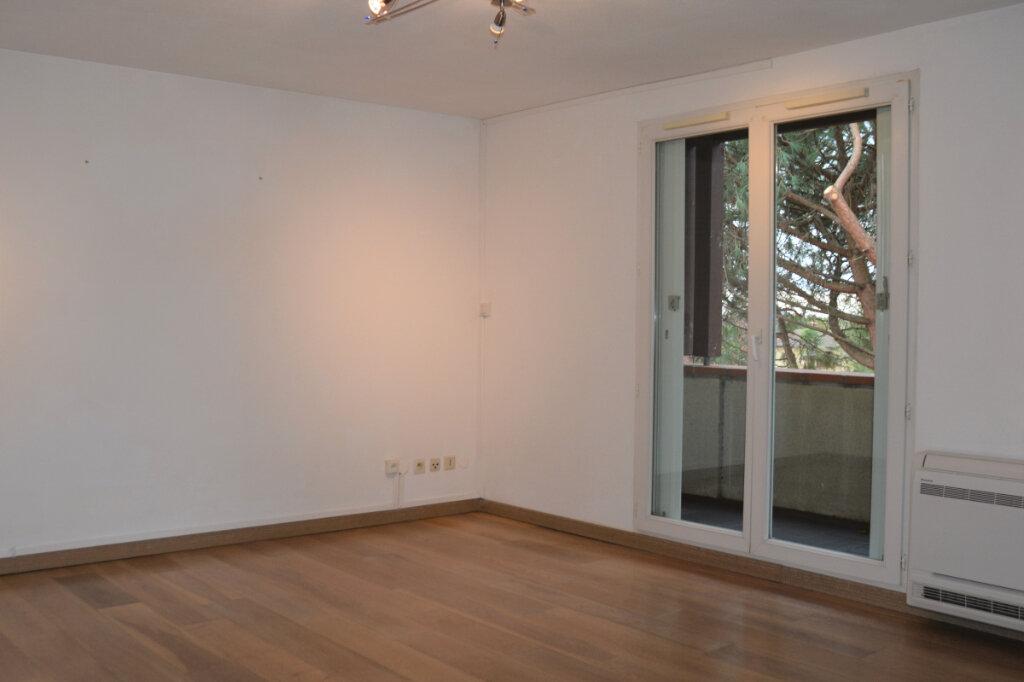 Appartement à louer 2 49.71m2 à Fonbeauzard vignette-2