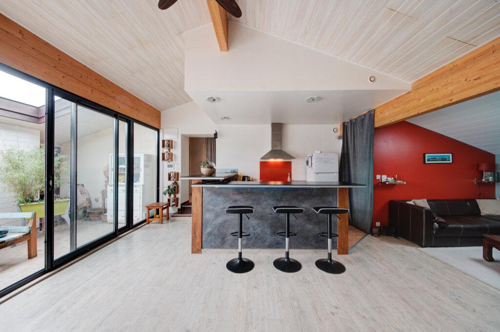 Maison à vendre 7 170m2 à Labastide-Saint-Sernin vignette-1