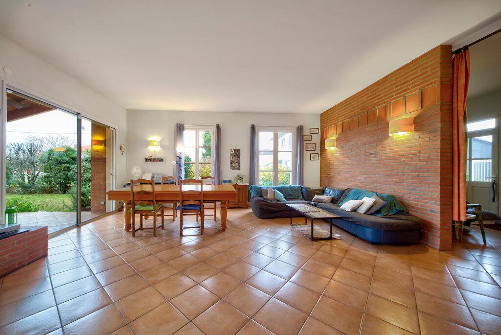 Maison à vendre 6 231m2 à Bruguières vignette-12