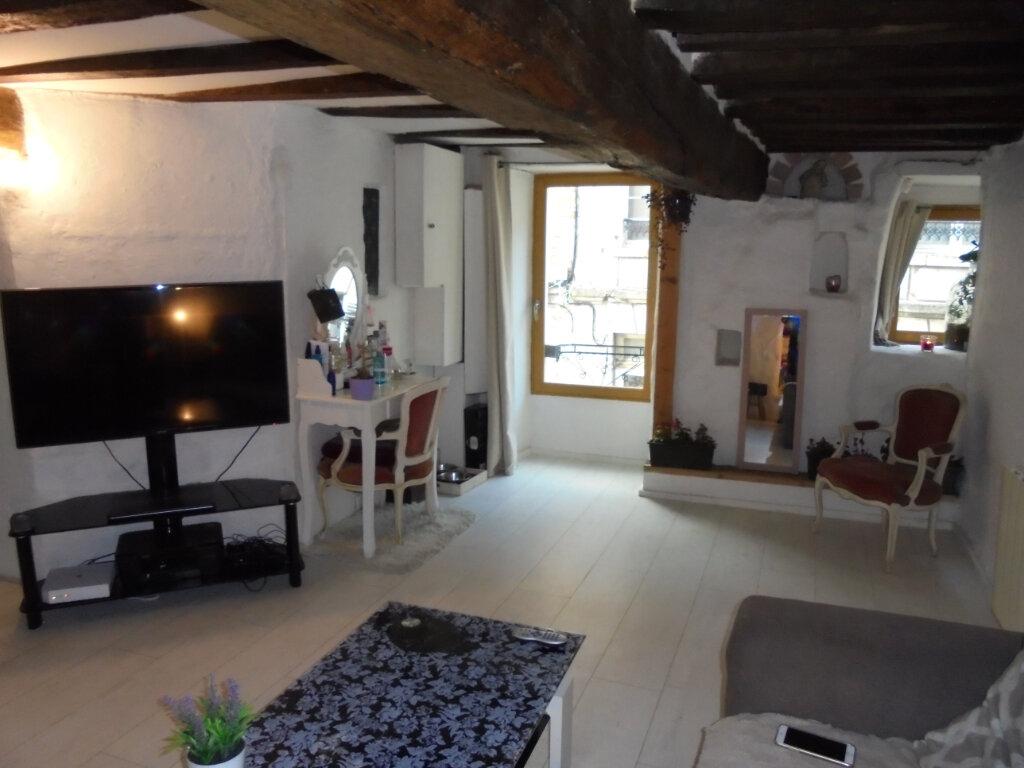 Appartement à louer 2 65m2 à Laon vignette-2
