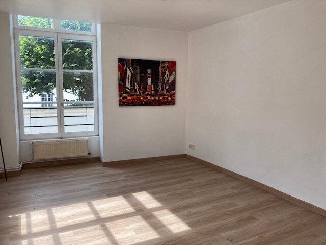 Appartement à louer 3 55m2 à Laon vignette-2