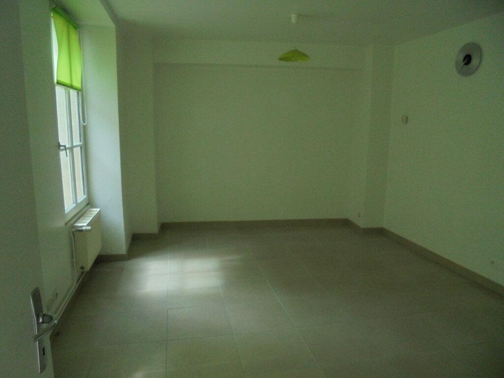 Appartement à louer 3 55m2 à Laon vignette-4