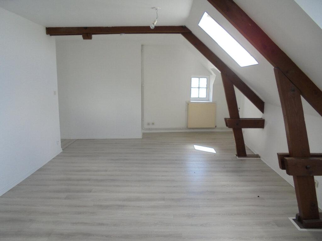 Appartement à louer 3 55m2 à Laon vignette-1