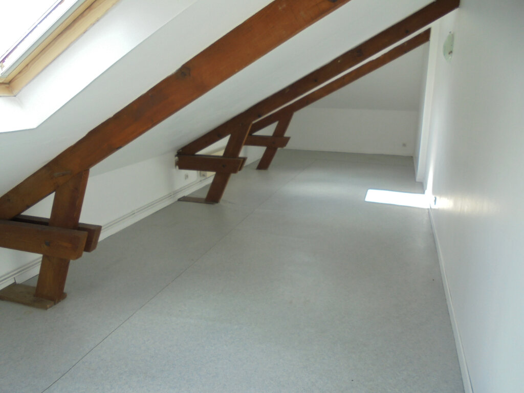 Appartement à louer 3 55m2 à Laon vignette-6