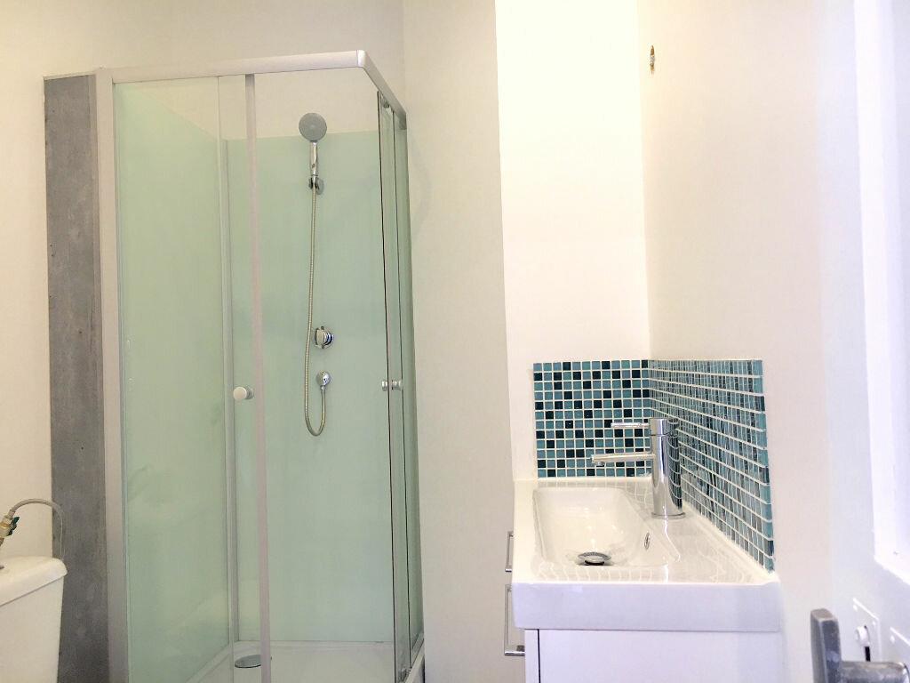 Appartement à vendre 2 28m2 à Neuilly-sur-Marne vignette-4