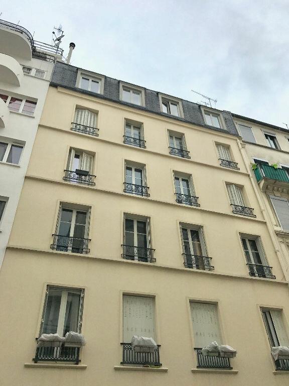 Appartement à louer 1 16m2 à Paris 17 vignette-6