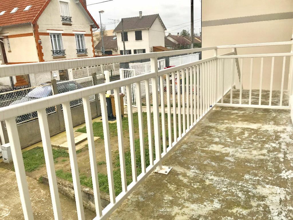Appartement à louer 3 70m2 à Neuilly-sur-Marne vignette-3