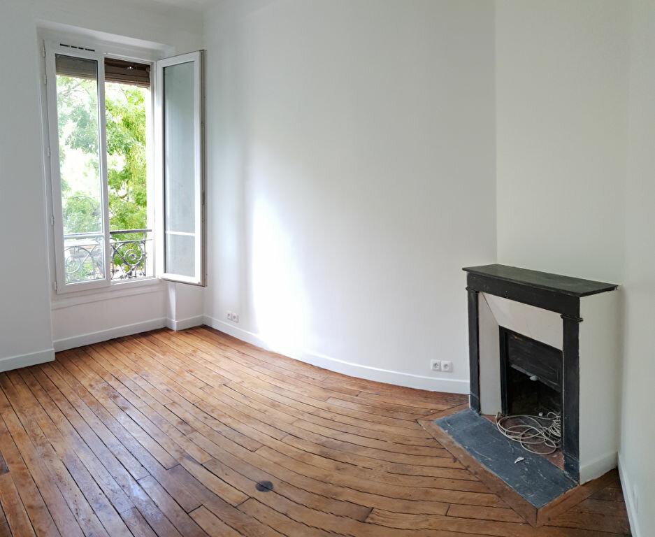Appartement à louer 2 27m2 à Paris 11 vignette-2