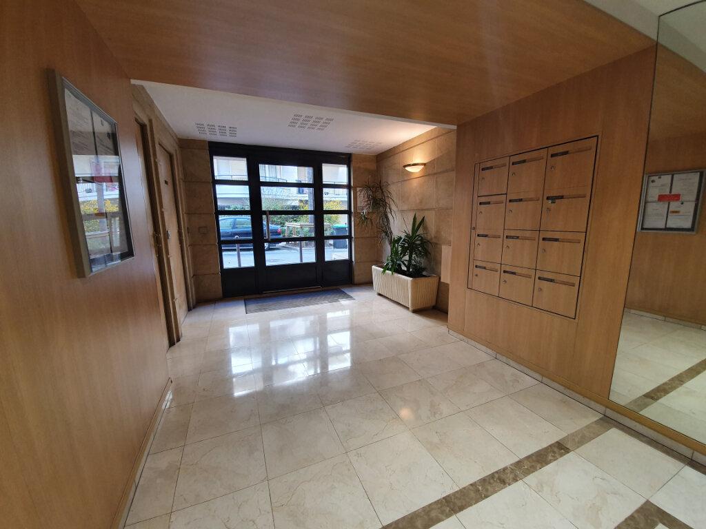 Appartement à vendre 4 88m2 à Charenton-le-Pont vignette-2