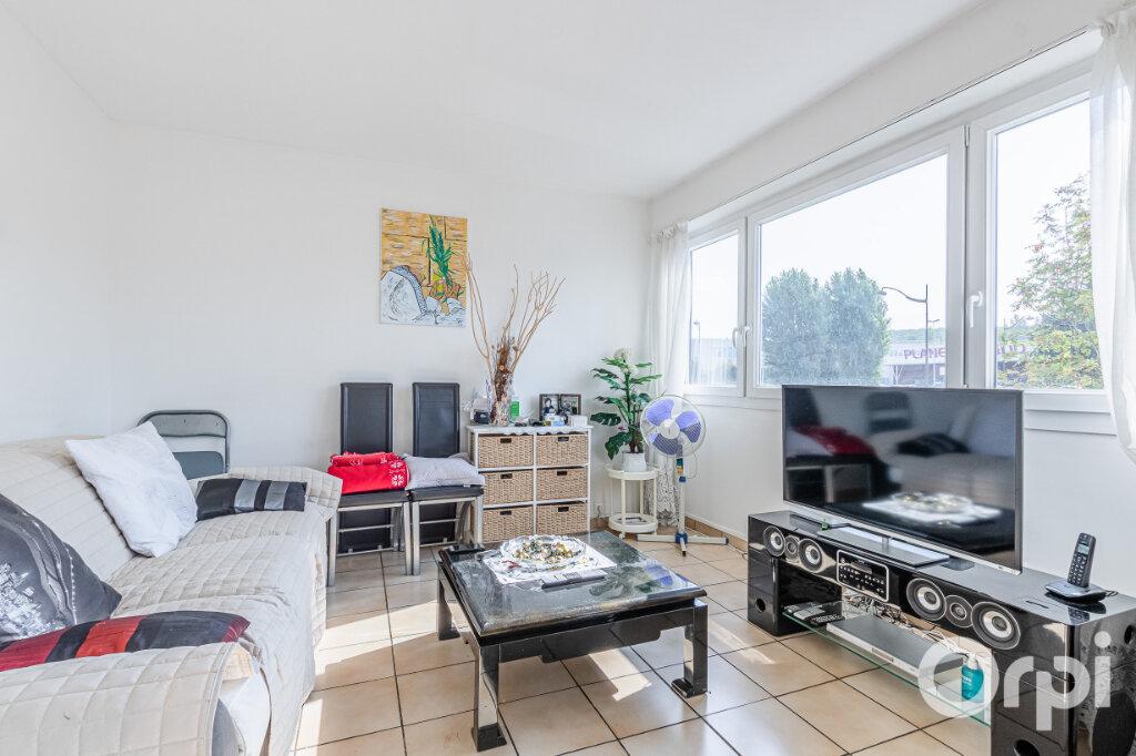 Appartement à vendre 4 75m2 à Livry-Gargan vignette-2