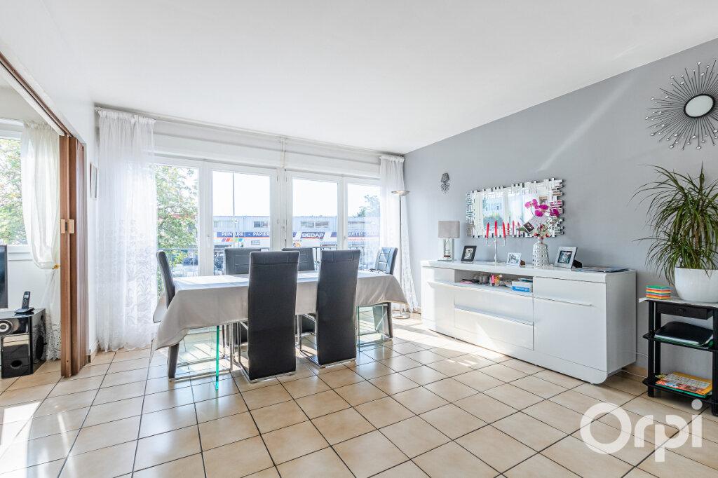 Appartement à vendre 4 75m2 à Livry-Gargan vignette-3