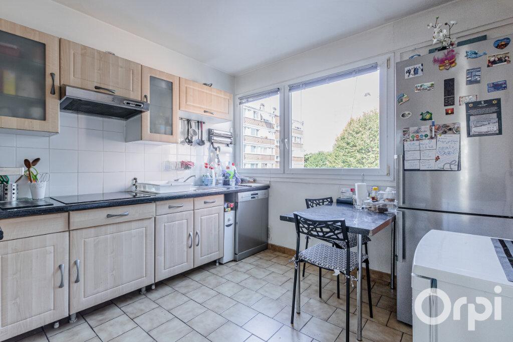 Appartement à vendre 4 75m2 à Livry-Gargan vignette-5