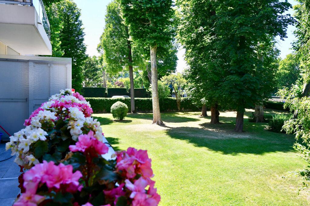Appartement à vendre 5 120m2 à Bry-sur-Marne vignette-1