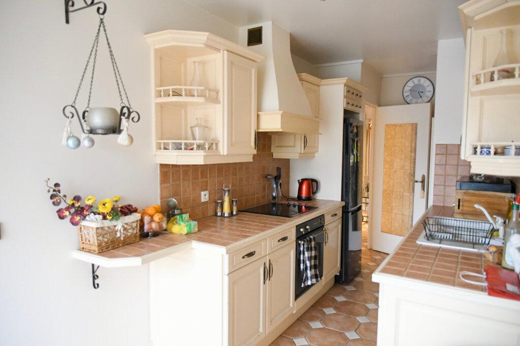 Appartement à vendre 5 120m2 à Bry-sur-Marne vignette-7