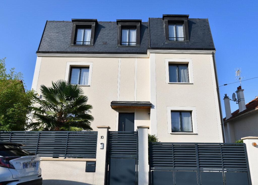 Maison à vendre 6 170m2 à Bry-sur-Marne vignette-1