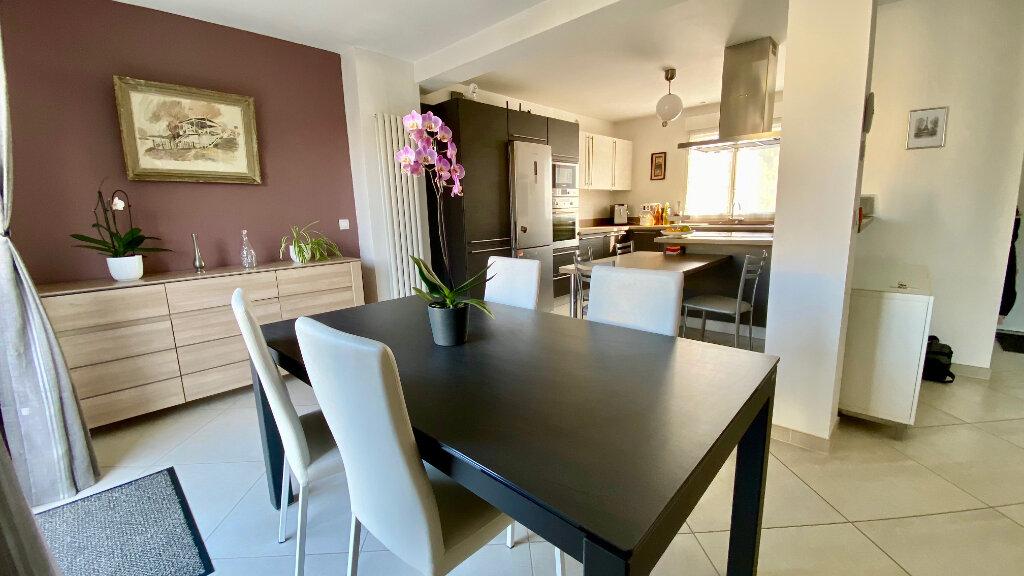 Maison à vendre 6 170m2 à Bry-sur-Marne vignette-2