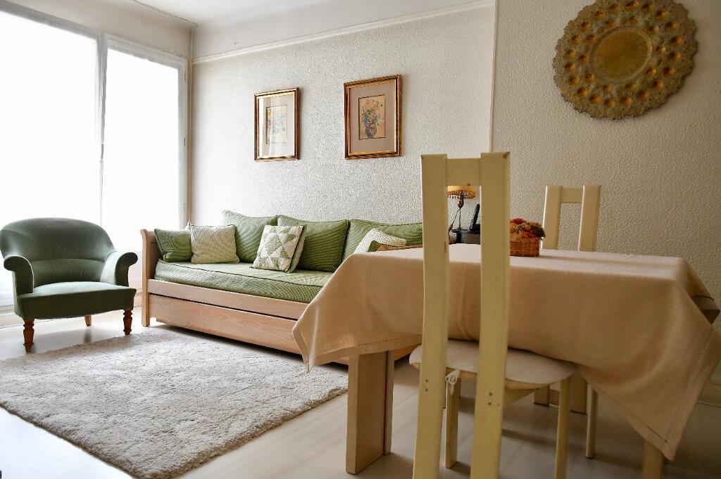 Appartement à vendre 2 38.4m2 à Paris 13 vignette-2