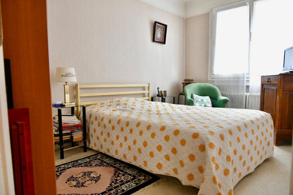 Appartement à vendre 2 38.4m2 à Paris 13 vignette-3