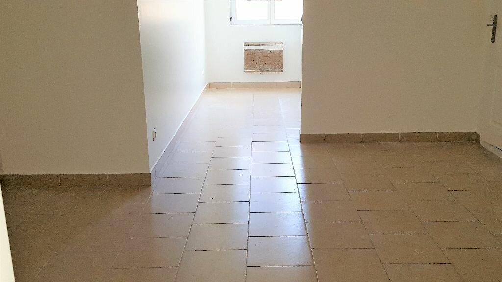 Appartement à louer 1 30m2 à Livry-Gargan vignette-2
