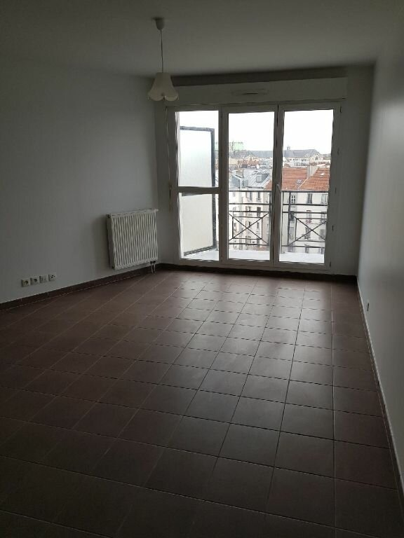 Appartement à louer 2 47m2 à Saint-Denis vignette-2