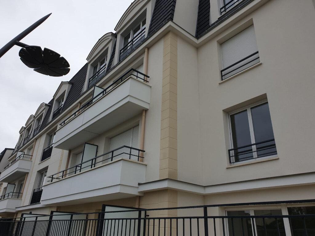 Appartement à louer 3 61m2 à Aulnay-sous-Bois vignette-1